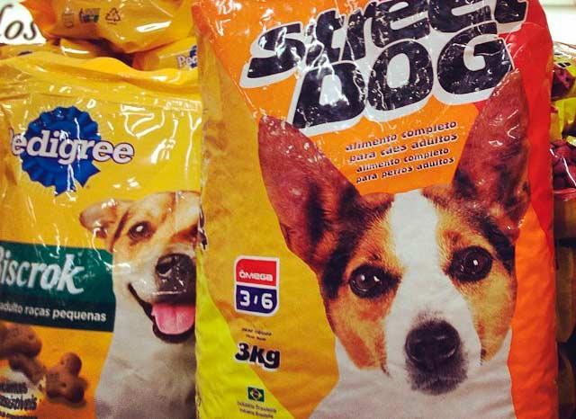 La compra de comida para perro cada vez más especializada reflejo del fenómeno de los perrhijos (Foto: Mark Hillary)