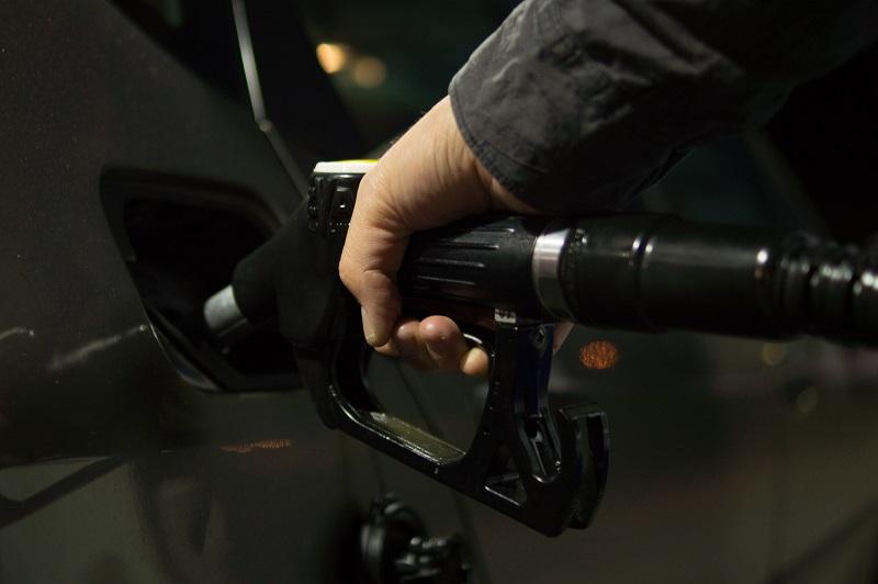 En lo que va del año la gasolina magna aumentó de precio 11.7% al pasar de 16.28 a 18.19 pesos por litro.