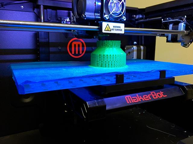 El plástico impreso podría tener un futuro en la industria médica y la aeronáutica (Foto: Universidad Simon Fraser)