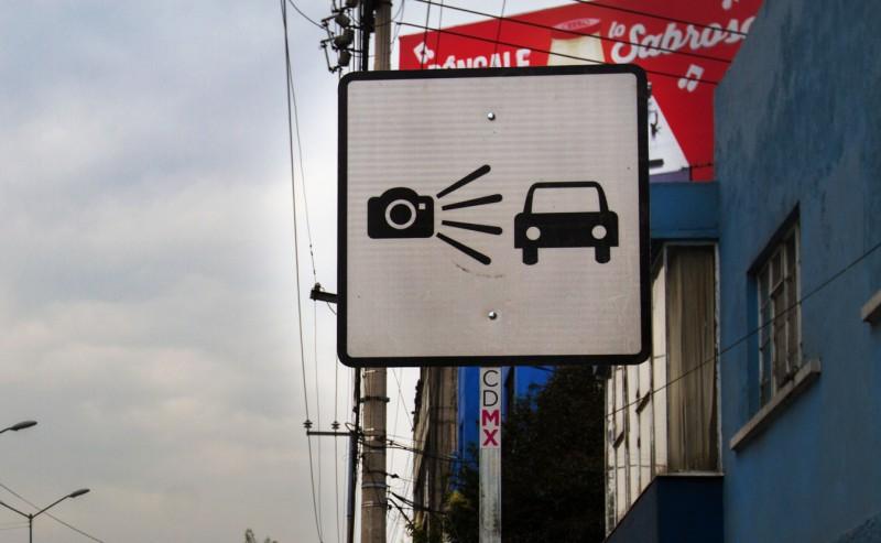Las fotomultas son administradas por una empresa privada, misma encargada de mandar las sanciones.