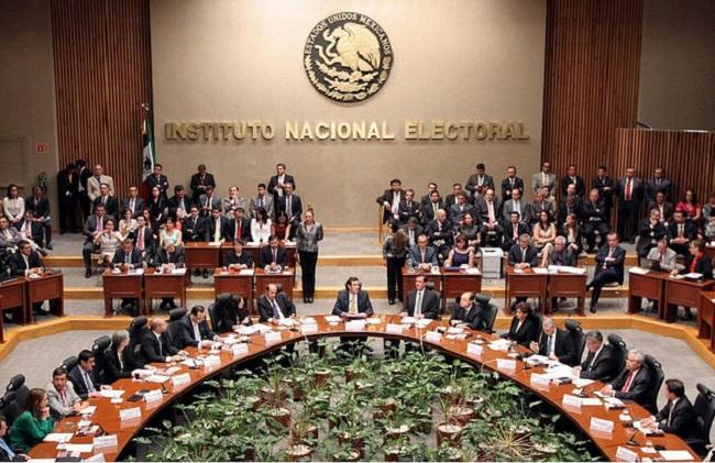 """Morena acudirá a tribunales para desmentir la acusación de desvío de recursos del fideicomiso """"Por los demás"""""""