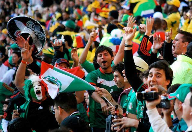 """""""Estamos obligados a revisar el negocio del futbol de forma integral y evaluar la viabilidad de mantenernos en él"""", dijo TV Azteca (Foto: Celso Flores)"""