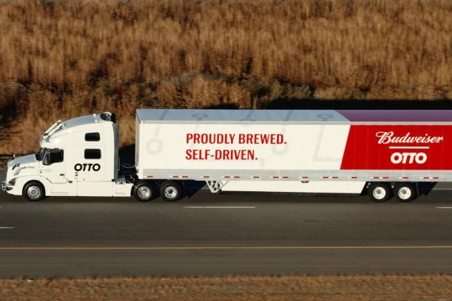 El camión Otto, fue el primero que manejó sin conductor por casi 200 km en Colorado, con una carga completa de Budweiser.