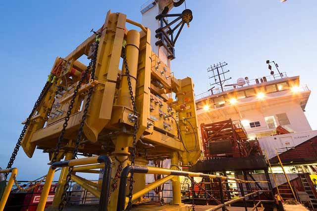 Fondos de cobertura europeos estimaron una duplicación en el precio del petróleo tras el inicio de las sanciones a Irán.