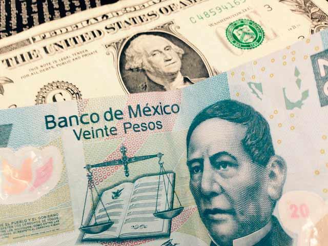 El fortalecimiento del dólar, el TLCAN y las tasas de interés de la FED seguirán presionando al peso. Foto: Hector Archundia / algunos derechos reservados.