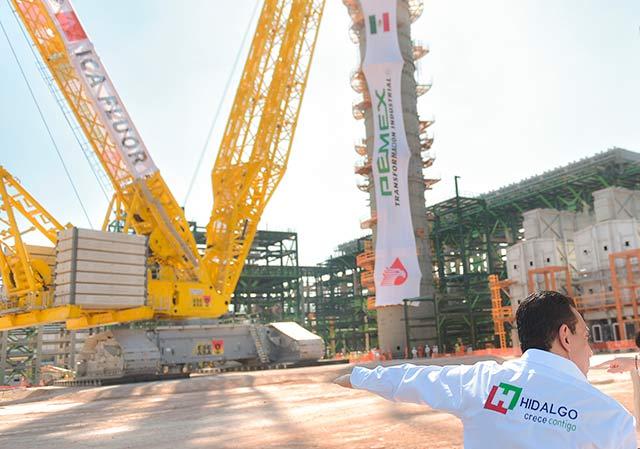 La administración de EPN decidió cancelar el proyecto de la refinería Bicentenario y mejor modernizar la antigua refinería de Tula, Hidalgo. Foto: Presidencia de la República.