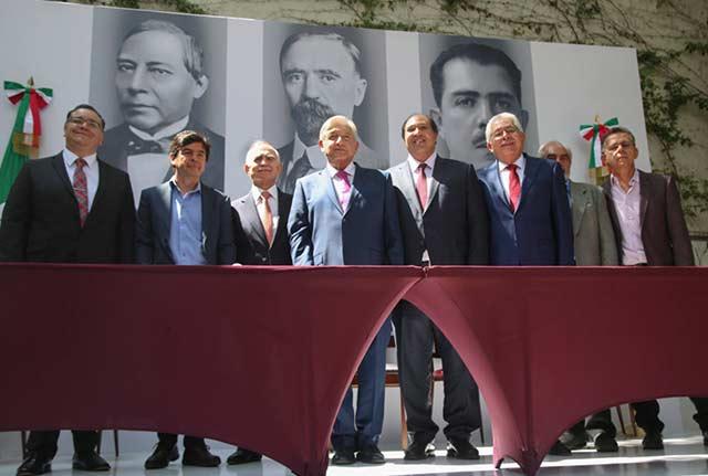 Presentación de los miembros de la Oficina de Presidencia de AMLO. Foto: Cortesía.