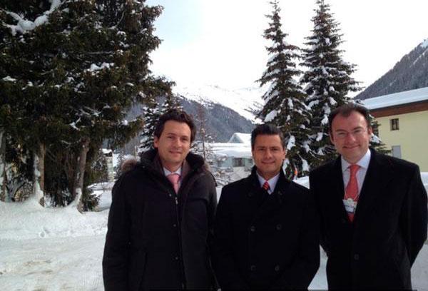 Emilio Lozoya, Enrique Peña Nieto y Luis Videgaray en Davos, Suiza para el encuentro del Foro Económico Mundial de 2012. Foto: Enrique Peña Nieto.