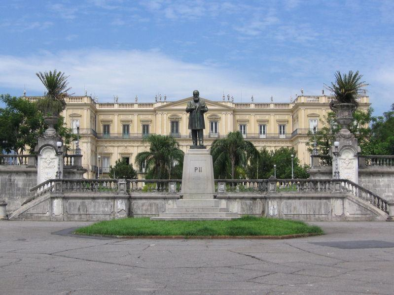 El Museo Nacional sirvió de residencia a la familia real portuguesa. (Foto: Wikipedia).