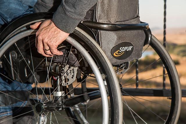 Las personas con discapacidad necesitan ropa que se acople a sus necesidades y además los haga ver bien. (Foto: pixabay.com)