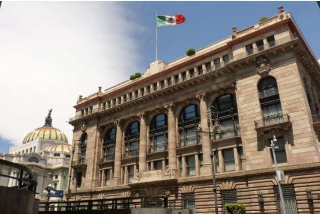 Edificio central del Banco de México en el centro histórico de la CDMX