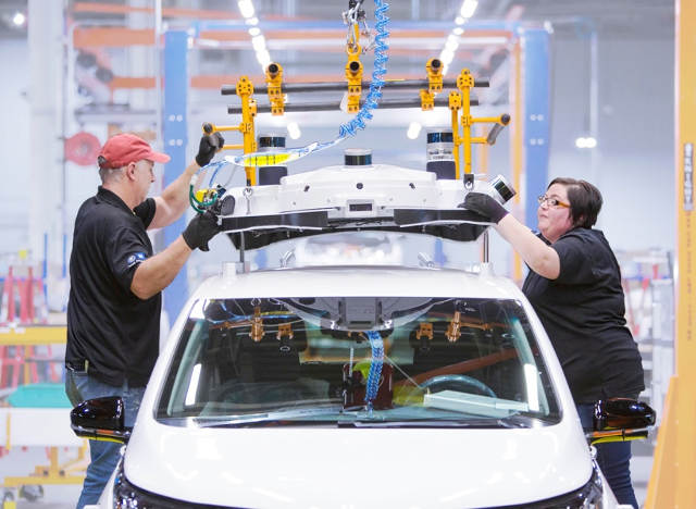 Desde 2016 General Motors esta invirtiendo en la producción del Cruise. Foto: GM