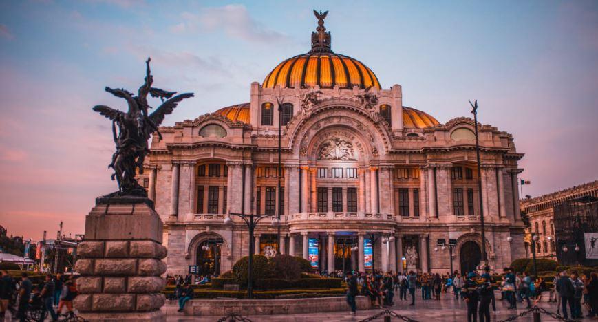 Seis de cada diez personas ocupadas en la Ciudad de México ganan hasta dos salarios mínimos.