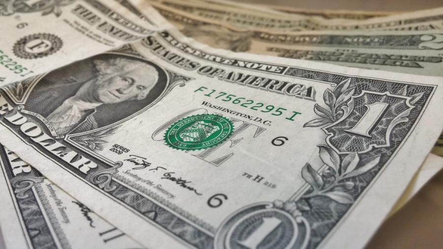 En lo contratos negociados a futuro en la bolsa de Chicago, se estima un tipo de cambio de 20 pesos por dólar para diciembre de 2018.
