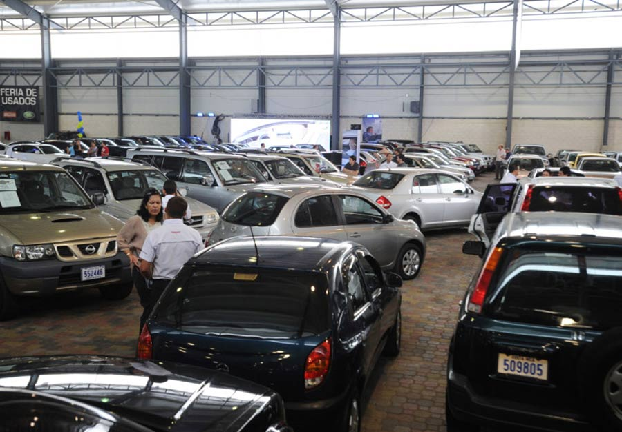 De enero a agosto, las ventas de autos al público sumaron 913 mil 726 unidades, una baja de 7.8%.
