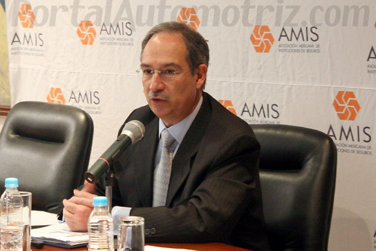 Recaredo Arias, director general de la AMIS.