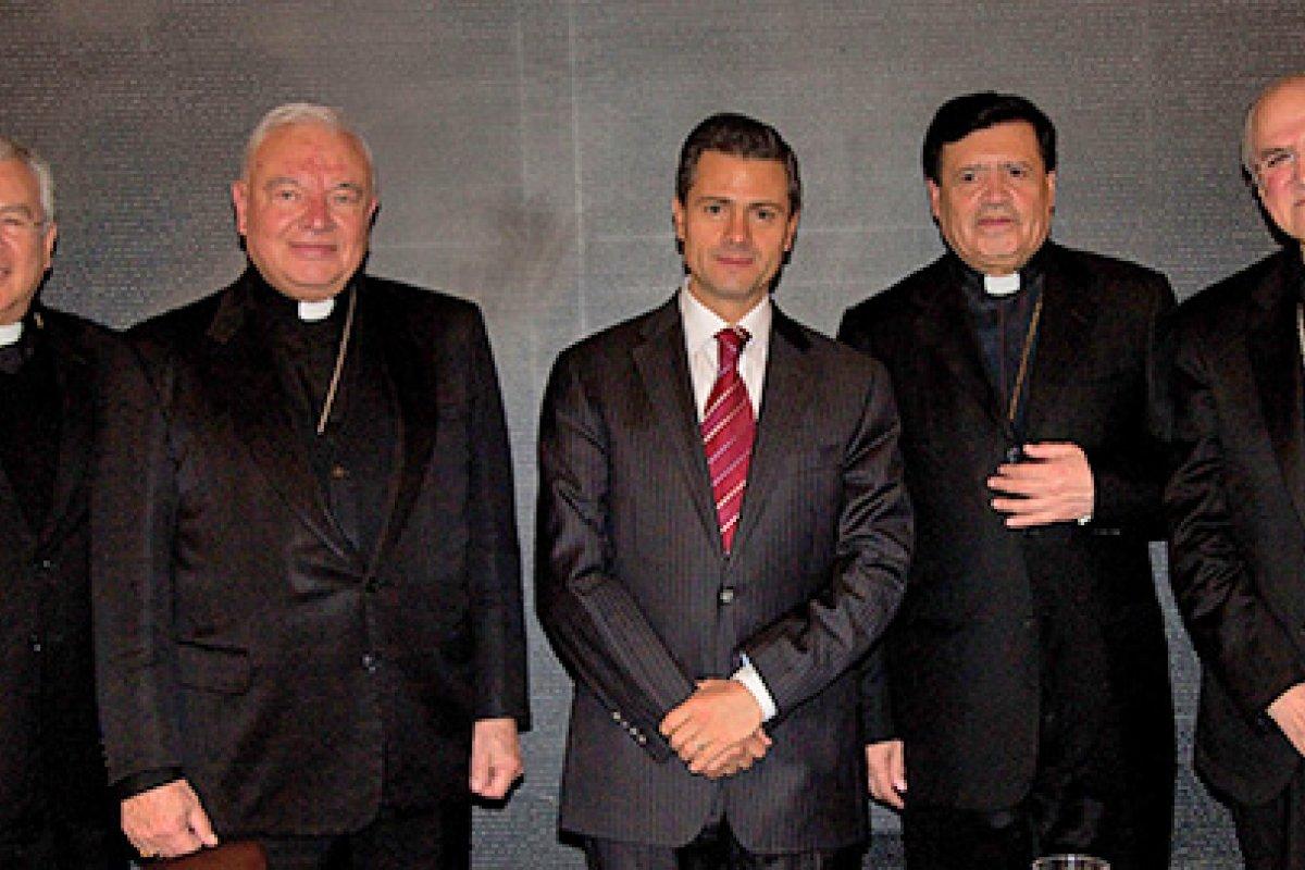 Con una inversión calculada en 28 mil millones de pesos y 12 años de trabajo y retrasos, la carretera Mazatlán-Durango fue inaugurada por el presidente Peña Nieto.