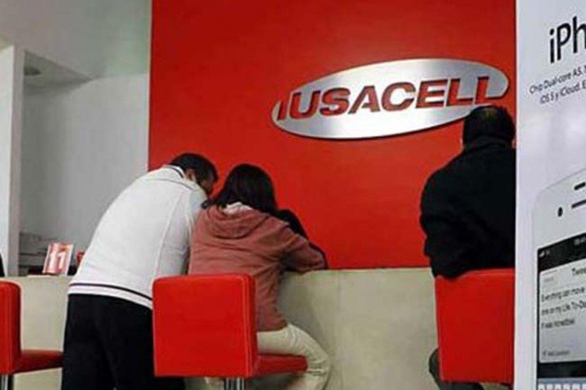 Iusacell, nos aseguran, sigue firme en los planes de cuádruple play.