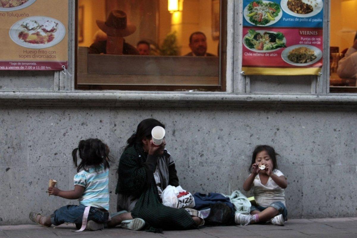La situación de pobreza en México alcanza casi a cuatro de cada 10 personas.