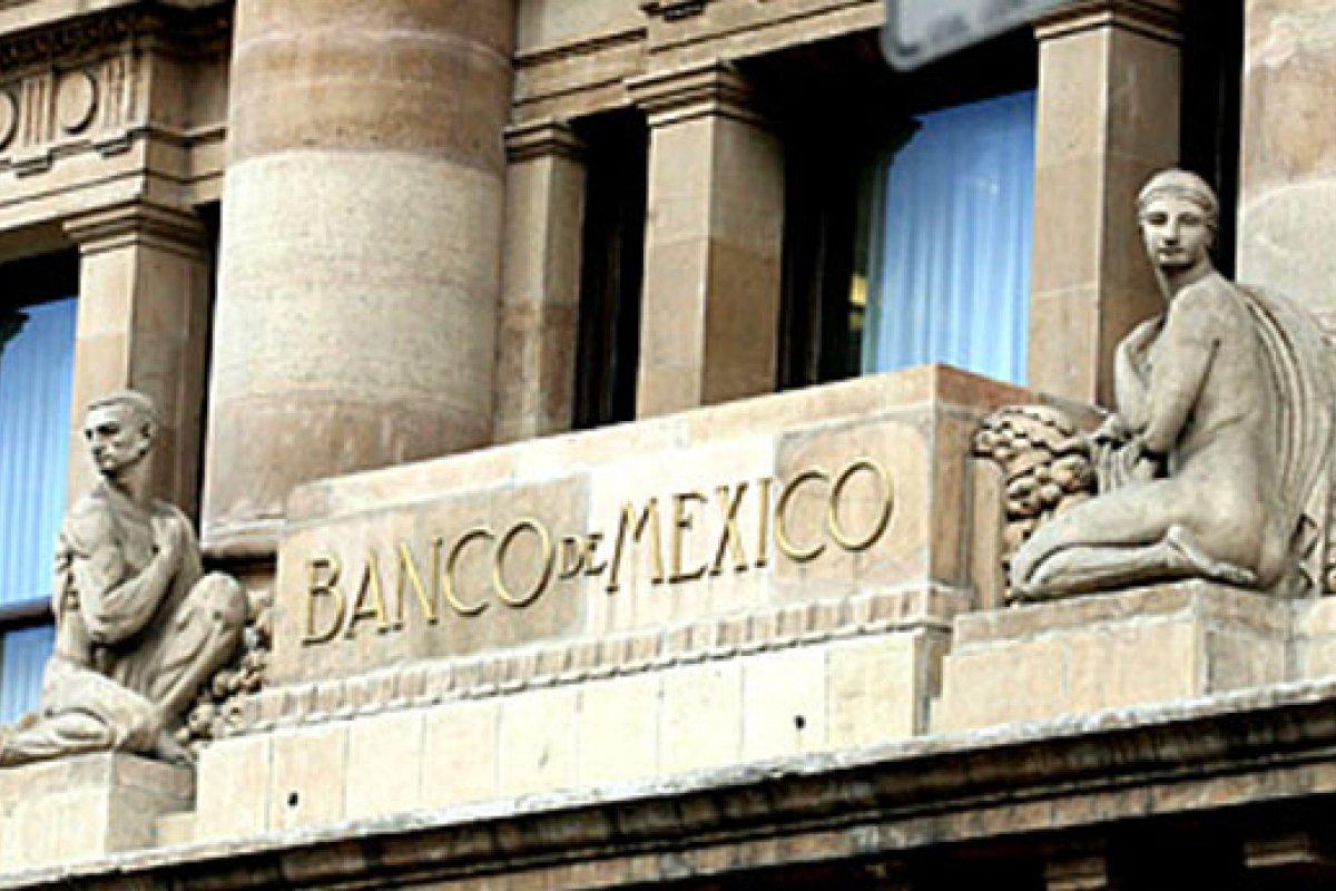 Destacó Banxico que el balance de riesgos para la inflación está mejorando.