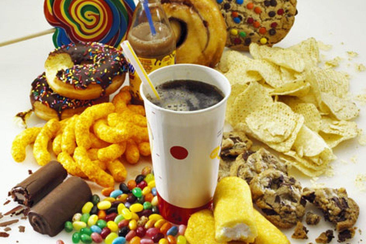 En el caso de la confitería y chocolates, la normatividad no determina cuáles serán sus características nutrimentales.