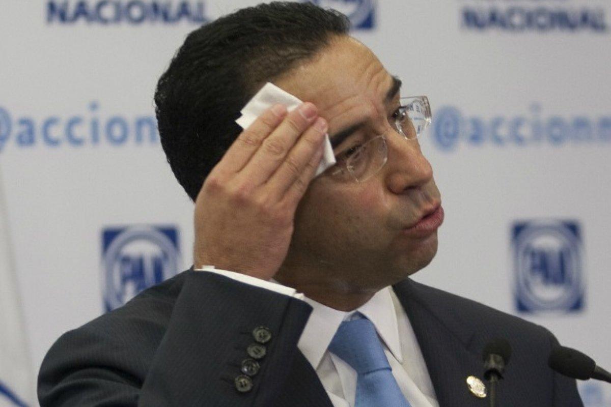 El panista sostuvo un álgido debate con integrantes del Partido de la Revolución Democrática (PRD), quienes lo acusaron de promover un predictamen.
