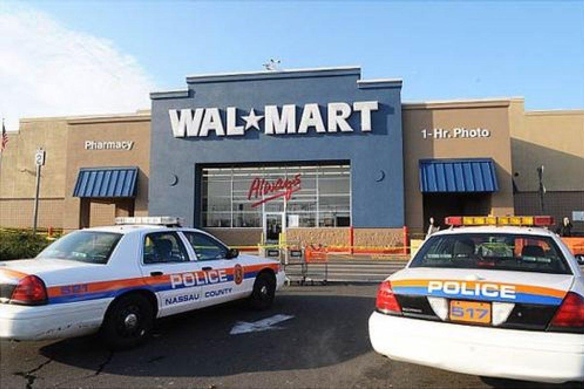 Wal-Mart debería enfrentar una demanda de accionistas estadounidenses.