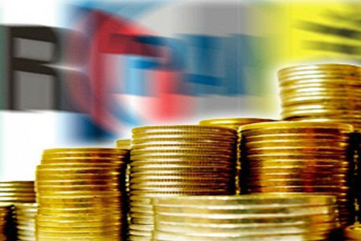 Los cheques o transferencia bancarias deberán estar a nombre del aportante.