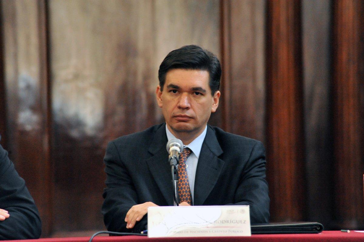Fernando Aportela admitió que una baja en el consumo impactó al PIB en primer trimestre.