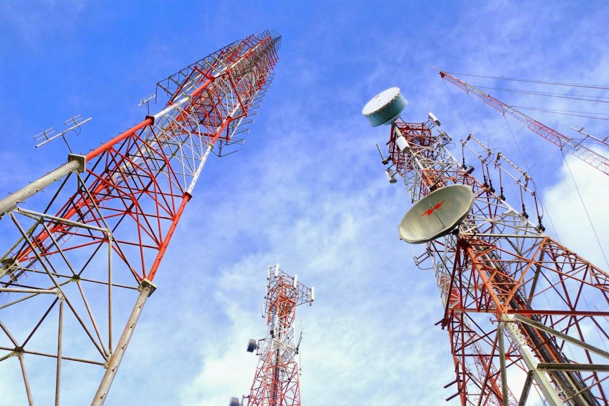 Hoy se estableció el plan de trabajo y las bases para que Telecom opere red pública de CFE.