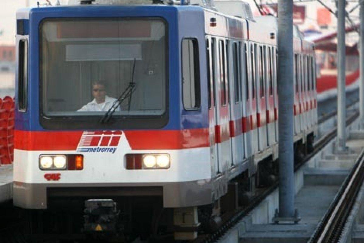 Los trabajos en la línea 3 del metro regiomontano concluirán en septiembre de 2015.
