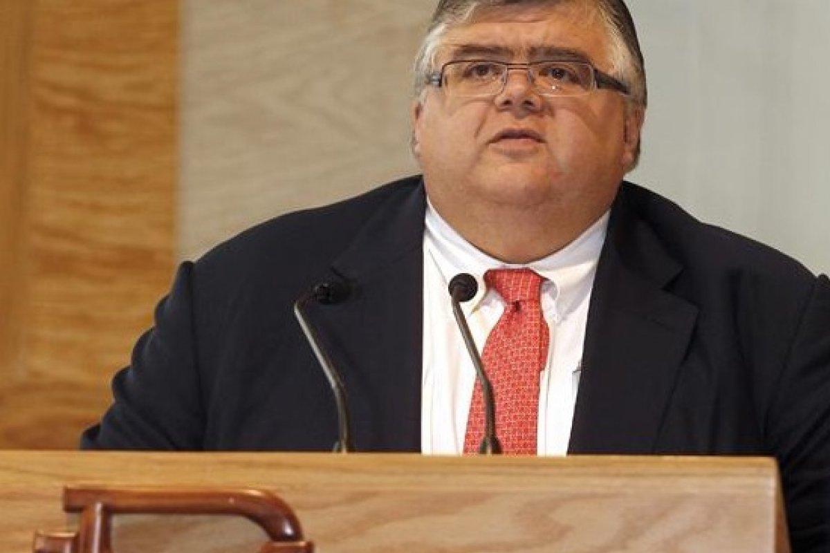 El gobernador Agustín Carstens anunció la revisión en una comparecencia frente a diputados.