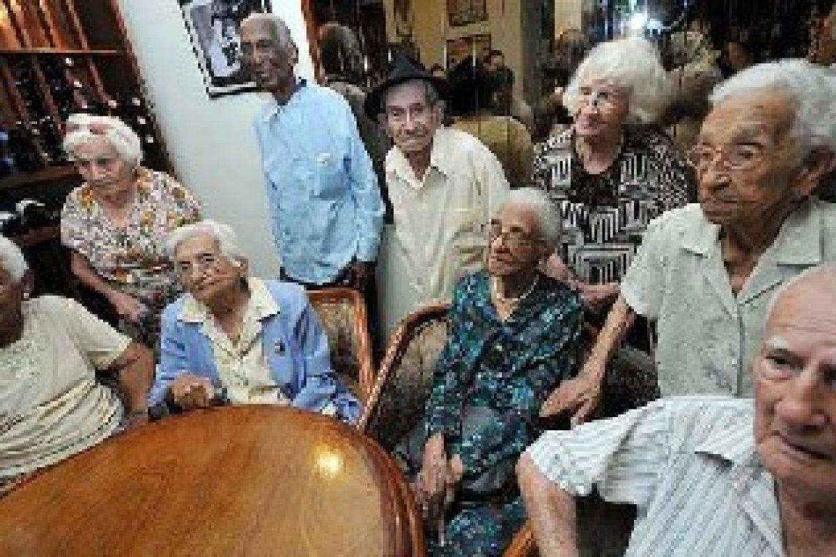 De 1990 a la fecha la proporción de población con más de 60 años aumentó de 6.2% a 9.5%, para el 2030 se estima que esta proporción crecerá a 14.8% del total.