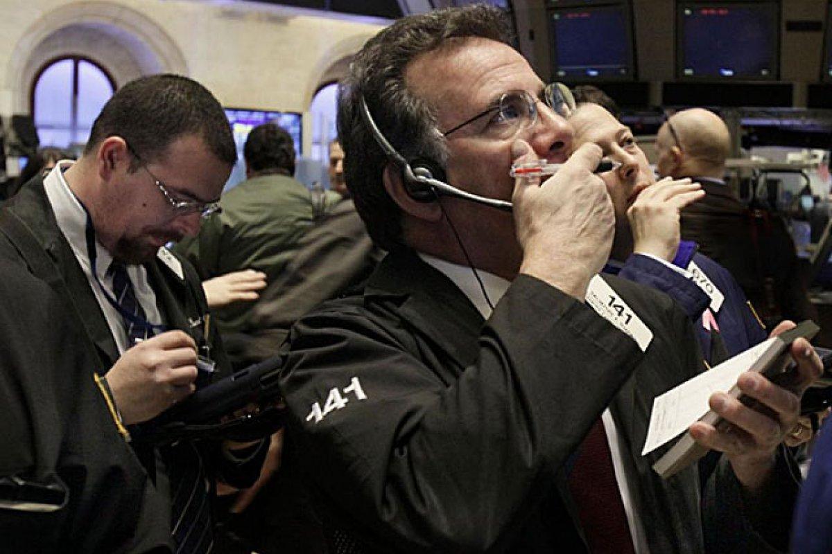 Los inversionistas podrían retirarse de los mercados emergentes en desbandada, de agravarse las tensiones entre Rusia y Estados Unidos.