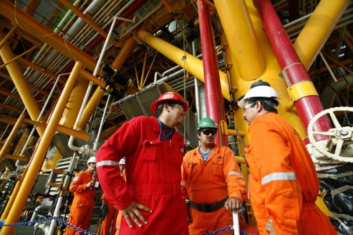 Los pasivos laborales de Pemex que ascendieron a 1.1 billones de pesos en 2013 podrían cargarse al Erario.
