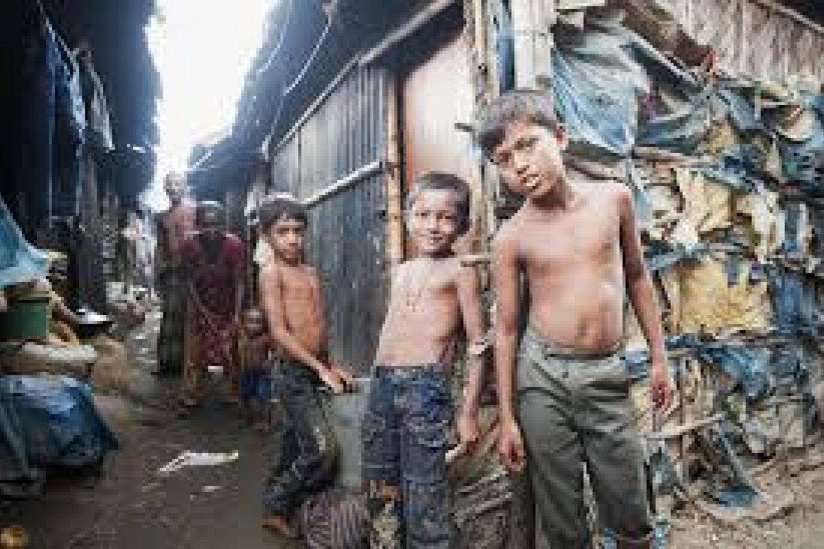 La PNUD informó que hay más de 2 mil 200 millones de personas con pobreza multidimensional en el mundo.