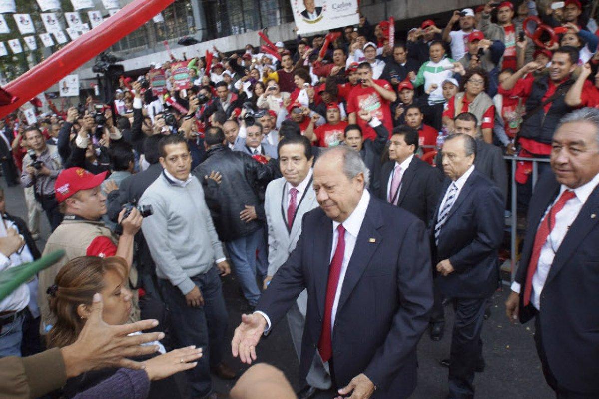 La empresa Arriba Limited puede confiscar propiedades y pertenencias del STPRM y de su líder, Carlos Romero Deschamps que se encuentren fuera de México.