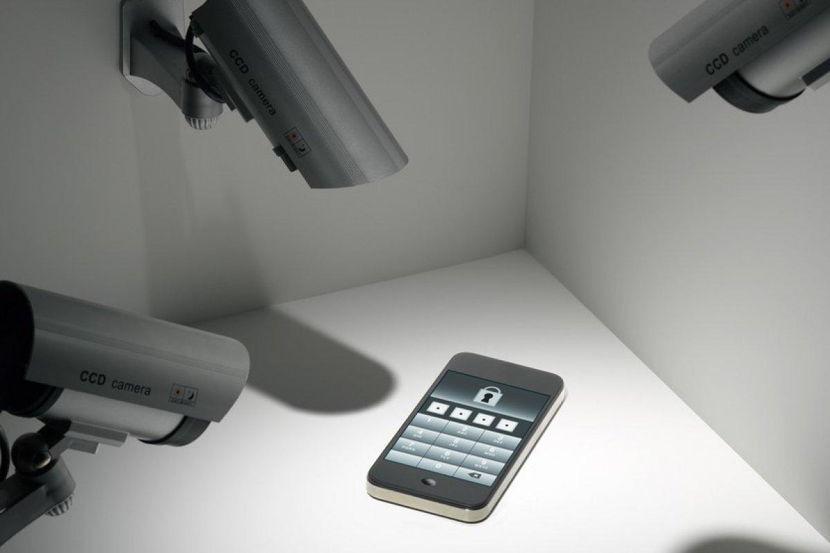 El recurso legal busca impedir que las instituciones de seguridad tengan acceso a mensajes de texto, llamadas o ubicación de los usuarios de telefonía móvil.