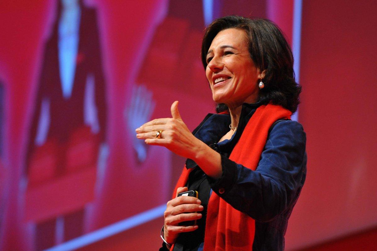 Ana Patricia de 54 años es miembro del Consejo del banco Santander y del Comité de Dirección desde 1989.