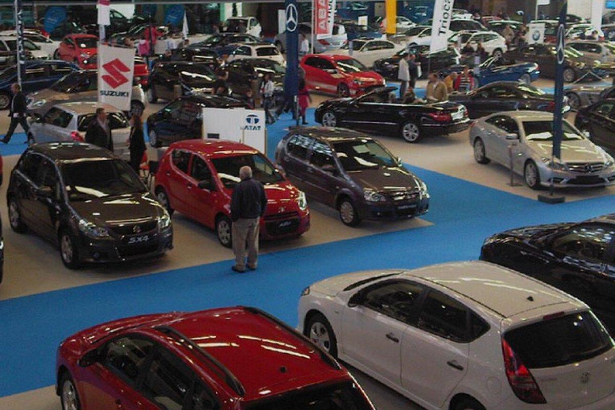 En junio el repunte del consumo de bienes importados fue impulsado principalmente por la adquisición de vehículos terrestres.