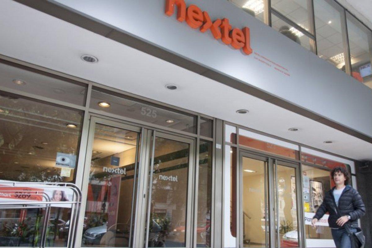 Las fuerte competencia en los mercados de Brasil y México ha mantenido las dificultades para que Nextel se sostenga en el mercado.