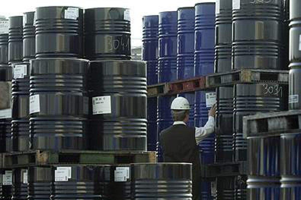 Las exportaciones estadounidenses de petróleo y de automóviles disminuyeron durante agosto de este año.