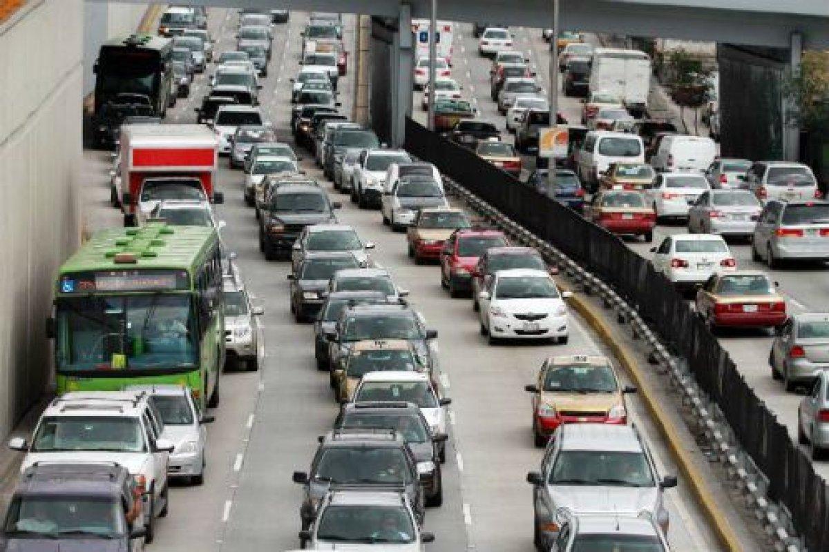 En el PPEF 2015 el  87.3% de los recursos para proyectos de movilidad son para el automóvil particular.