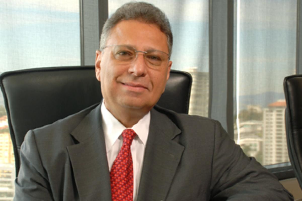 La empresa dirigida por Juan González Moreno se benefició de la reforma fiscal y la depreciación del peso frente al dólar.