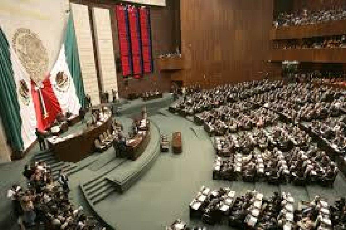 Los diputados decidieron aportarle a las normales rurales 400 mdp más, entre ellas a la Normal Isidro Burgos de Ayotzinapa.