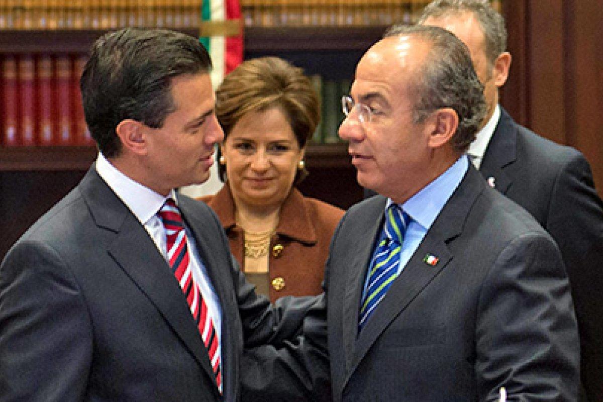 En 2011 Enrique Peña, como gobernador del Estado de México, y Felipe Calderón, entonces presidente, estuvieron juntos durante un anuncio de inversión de General Motors.