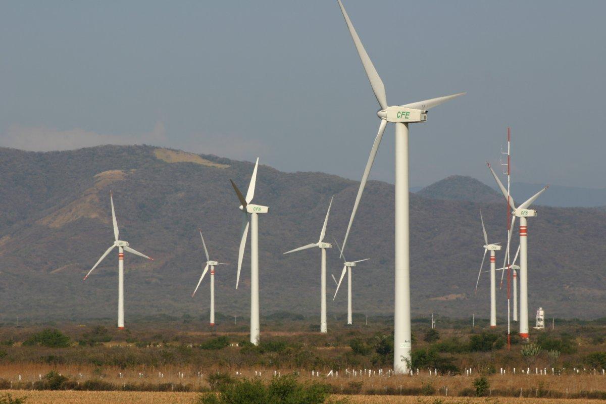 El gobierno actual se ha comprometido a incrementar de 3% a 35% la energía limpia que México genera.