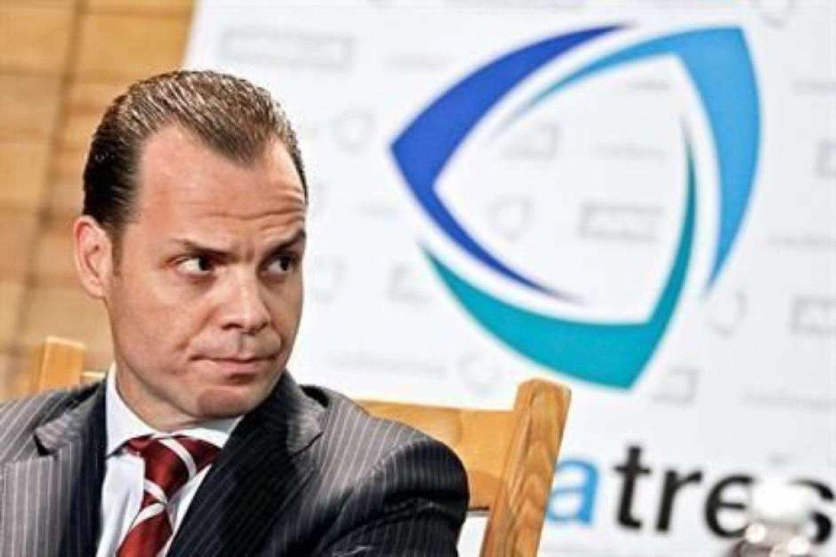 Olegario Vázquez Aldir busca adelantar el otorgamiento y firma de títulos para poder iniciar sus planes de inversión en infraestructura.