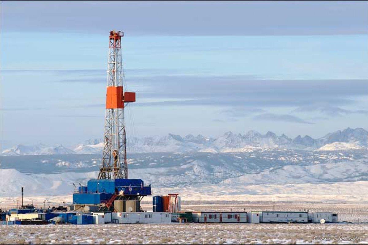 El petróleo Brent tuvo una variación de 0.99 USD con respecto al precio de ayer: cerró en 62.61 USD  y amaneció en 63.60 USD.