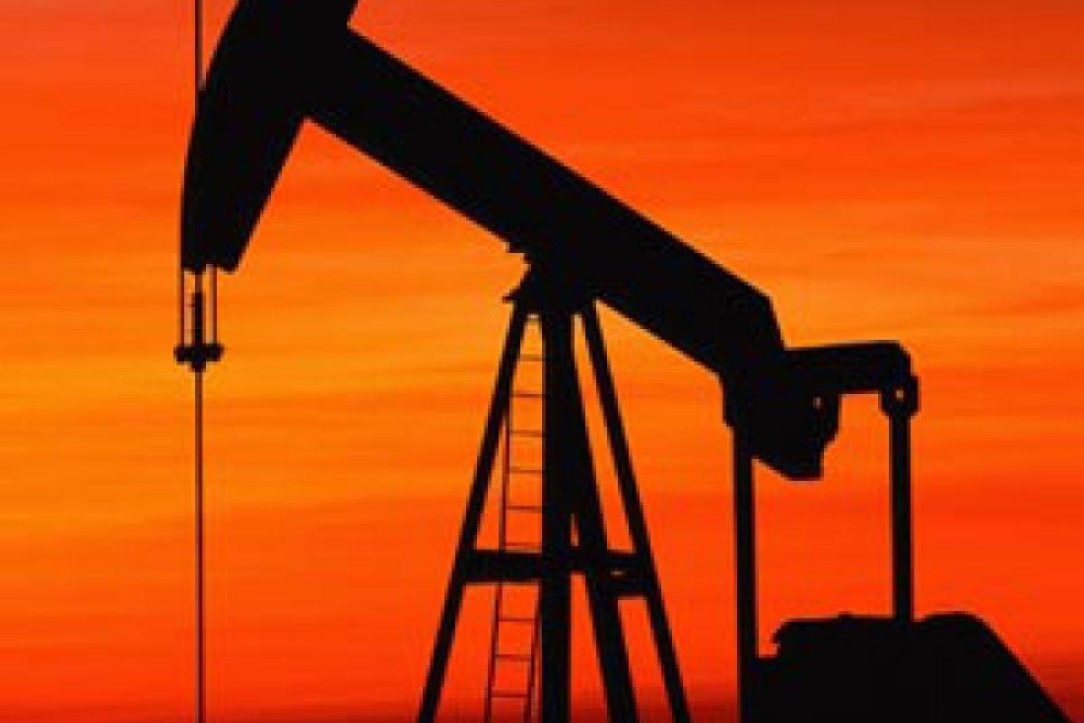 Debido a las bajas de los mercados, el petróleo se cotizó a la baja